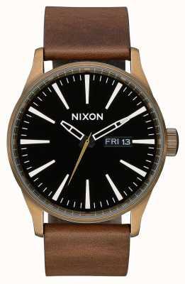 Nixon 哨兵皮革|黄铜/黑色/棕色|棕色皮革表带|黑色表盘 A105-3053-00